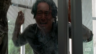 Spend (The Walking Dead) - Glenn watches Noah get devoured.