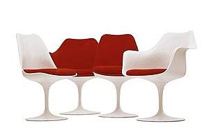 Tulip chair - Colors: White frame. Cushion red (cushion variable).
