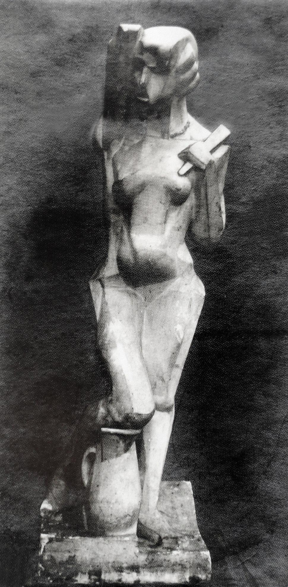 Joseph Csaky, 1912, Danseuse, Femme %C3%A0 l%27%C3%A9ventail, Femme %C3%A0 la cruche, original plaster, photo from Csaky archives AC.110