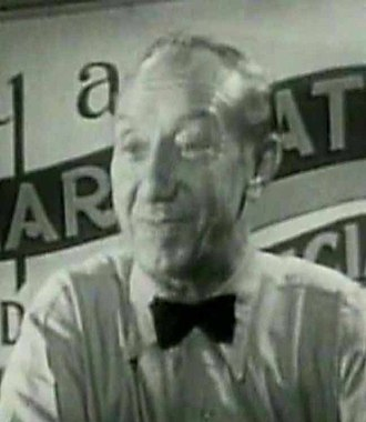 George Davis (actor) - George Davis in The Lady Says No (1952)