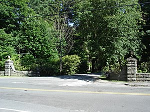 Prides Crossing, Beverly, Massachusetts - Entrance to Paine Avenue