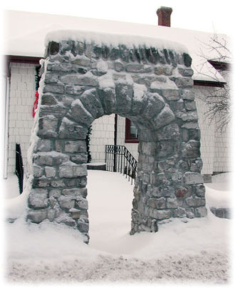 Bobcaygeon - The Boyd Arch was transferred stone by stone to its new location in front of the Boyd Museum