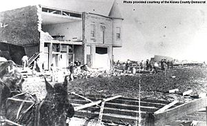 1905 Snyder tornado - Damage to the Snyder Hotel seen just days after the tornado destroyed much of Snyder, Oklahoma