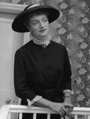Lillian Browse - Part of a photographic portrait of Lillian Gertrude Browse by Ida Kar, late 1950s; collection of the National Portrait Gallery, London