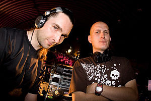 The Outside Agency performing at Q-Base in 2008.jpg