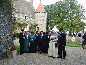 Wedding customs by country - A traditional French wedding celebration at Château de Hattonchâtel