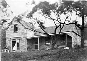 Photo of the Greencliffe house above Jeffrey Street in 1885