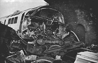 British Rail Class 52 - Damage to 1040 Western Queen from hte Knowle and Dorridge accident.