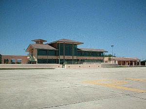 Paso Robles Municipal Airport - Image: Pasoterm 2