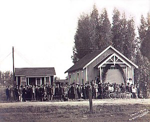 Historic Wintersburg in Huntington Beach, California - Wintersburg Japanese Presbyterian Mission and manse (parsonage) with congregation in 1910. The Mission faced Wintersburg Road, now Warner Avenue, in the Wintersburg Village. This area is now north Huntington Beach, California.