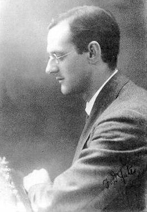 Frederick Yates - Image: Frederick Yates (autographed photo)