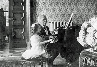Piano duet - Gabriel Fauré and a pupil playing the Dolly Suite