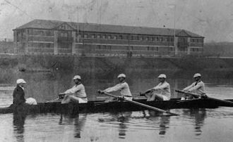 Glasgow University Boat Club - Old photograph of GUBC crew and boathouse.