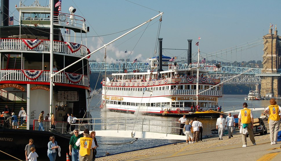 The Belle of Louisville docks next to the Natchez in Cincinnati for Tall Stacks 2006