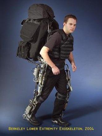 Berkeley Lower Extremity Exoskeleton - Image: Berkeley BLEEX 2004
