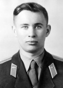 http://upload.wikimedia.org/wikipedia/en/thumb/f/f1/Bondarenko_valentin.jpg/220px-Bondarenko_valentin.jpg
