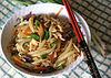 Fritita-Lao-Ŝua-marĉa fritita-LOU-Syu-adoranto Fried-Short-Rice-Noodles.jpg