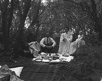 Graham Lakes Township, Nobles County, Minnesota - Picnic at Graham Lakes 1905 - Photo by Luther King