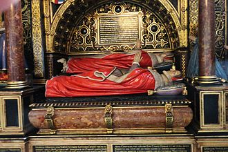 Anne Cecil, Countess of Oxford - Effigies of Anne Cecil and her mother. Anne's is on the raised shelf