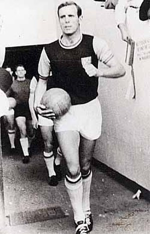 John Dick (footballer, born 1930) - Image: John Dick WHU
