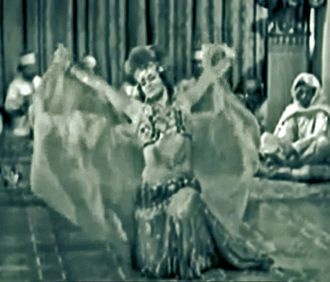 Leni Stengel as Zuleika Leni Stengel as Zuleika, in Beau Ideal (1931).jpg