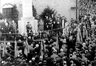 Middlewich - Unveiling of the cenotaph