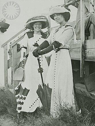 Matilde Moisant - Matilde Moisant (left) and Harriet Quimby