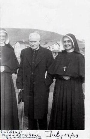 Jimmy Tompkins (priest) - Tompkins (centre), 14 July 1949