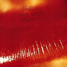 A rodar X                          - Página 6 220px-The_Cure_-_Kiss_Me,_Kiss_Me,_Kiss_Me