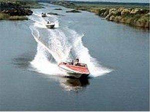 Live and Let Die (film) - Glastron speedboats in the Louisiana boat chase. The boat chase scene was filmed in the Bayou Des Allemands.