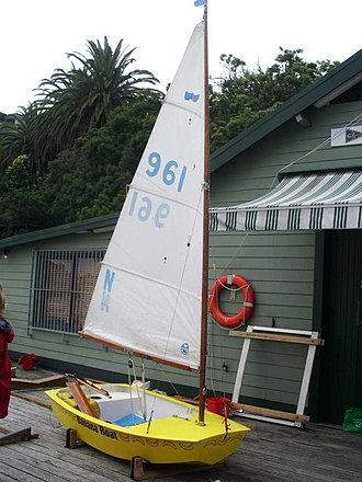 Sabot (dinghy) - Fully rigged Sabot ready to sail