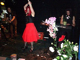 Swarf in performance at Water Rats, King's Cross (2004-08-21).jpg