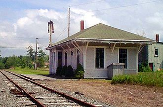 Belfast and Moosehead Lake Railroad (1871–2007) - The MEC-built 1892 station house at Brooks, ME (2004)