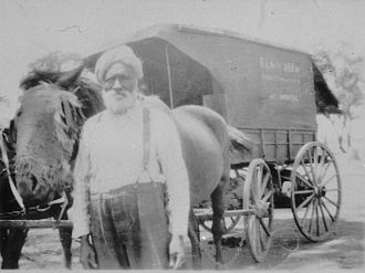 Sikhism in Australia - 'Podgy', a Sikh hawker in Goulburn Valley, Victoria