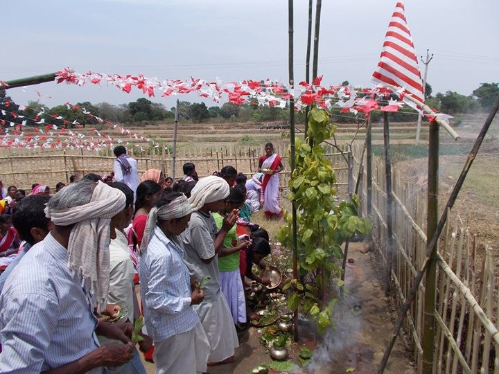 Sarna worshippers following their religious rites