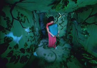 Bachelorette (song) - Björk in the surreal video for Bachelorette directed by Michel Gondry