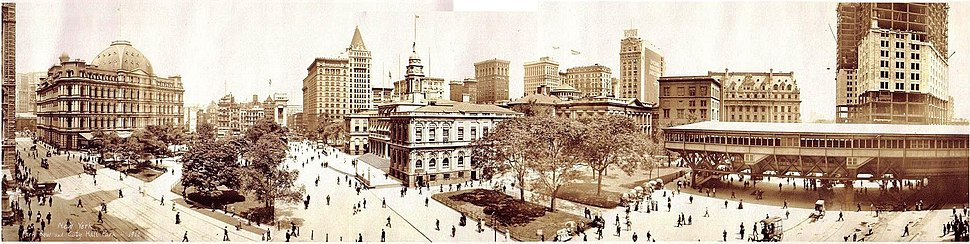 City Hall, Park Row and City Hall Park, 1911. The structure on the right is the Manhattan station for the cable cars which ran across the Brooklyn Bridge.