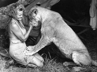Joy Adamson - Image: Joy Adamson with Elsa the lion, circa 1956