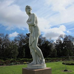 Rosalind Park - Venus (1901). Presented to the Citizens of Bendigo by W M Hunter 1901