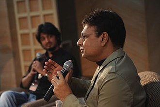 Poets Corner Group - Yaseen Anwer in conversation with Irshad Kamil at Delhi Poetry Festival 2013