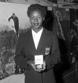 Mae Faggs - Image: Mae Faggs with award