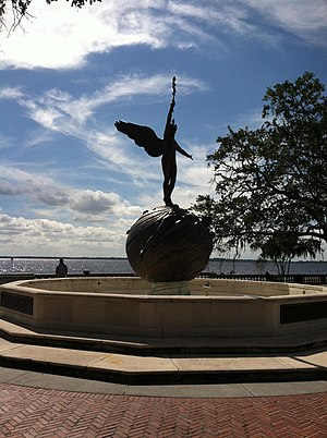 "Memorial Park (Jacksonville) - Pillar's bronze sculpture, ""Life"""