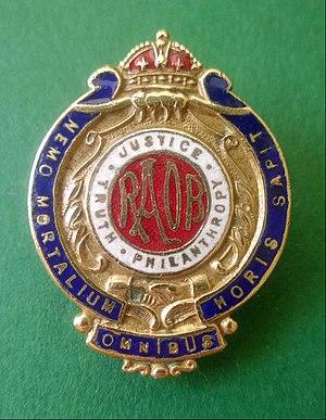 Royal Antediluvian Order of Buffaloes - Image: RAOB Badge