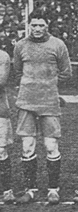 Ted Price (footballer) - Price lining up for Brentford in 1919.