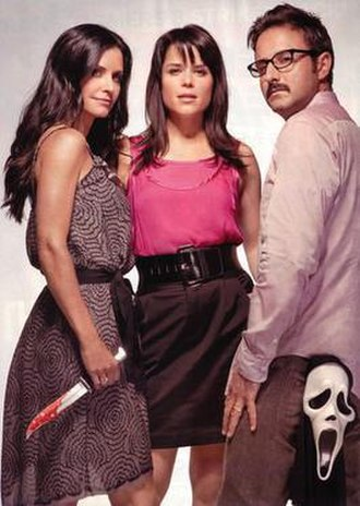 Scream (franchise) - From left to right; Courteney Cox, Neve Campbell and David Arquette, the three principal cast members in the Scream films, in a promotional image for Scream 4.