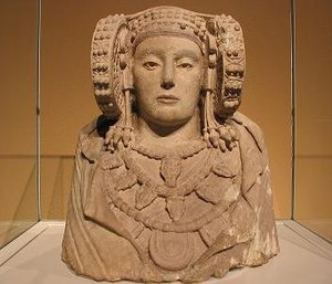 Elche - Frontal view of the Lady of Elche.