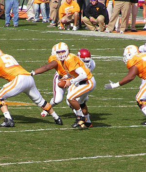 Erik Ainge - Ainge during a game against the Arkansas Razorbacks at Neyland Stadium