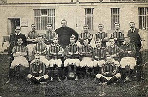 William Foulke (footballer) - Bradford City A.F.C. in the 1906-07 season - Foulkes centre of the back row