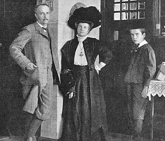 Richard Strauss - Strauss with his wife and son, 1910