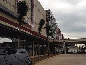 Robinsons supermarket wikivisually robinsons place santiago image robinsons place santiago facade as of january 18 2014 malvernweather Gallery
